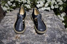 Grey-black sandalai