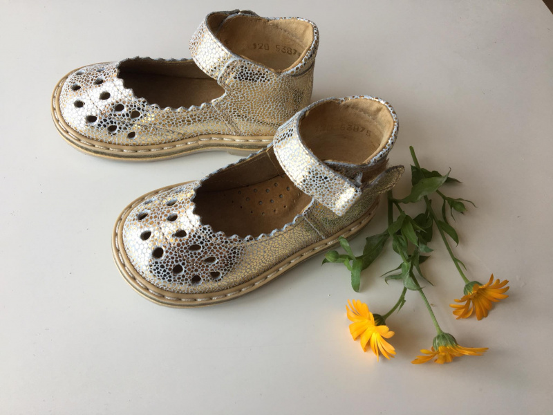 Gold sandaliukai