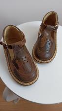 Chaki sandaliukai