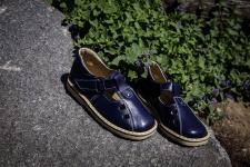 Dark blue sandalai