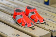 Ryškiai oranžiniai sandalai- basutės