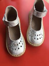 Balti sandaliukai su sidabru 19-28