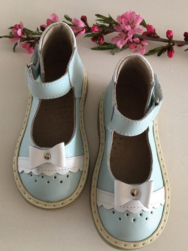 Žydri sandaliukai su bantuku