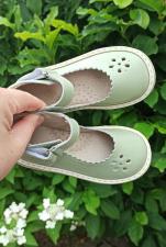 Pistacijų spalvos sandaliukai